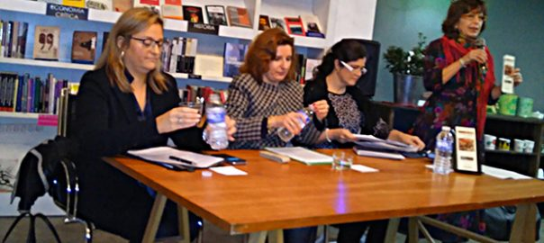 Presentación de la novela de Vicente Puchol donde participa Mercedes Puchol